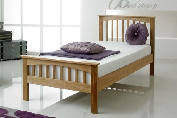 Tempat Tidur Jati Klasik Heywood
