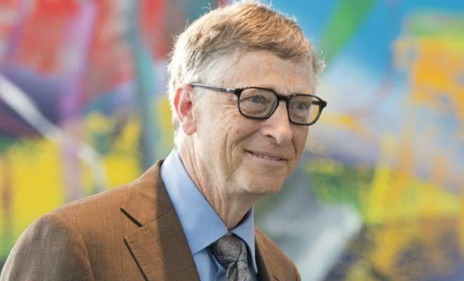 Bill Gates entre os homens mais ricos