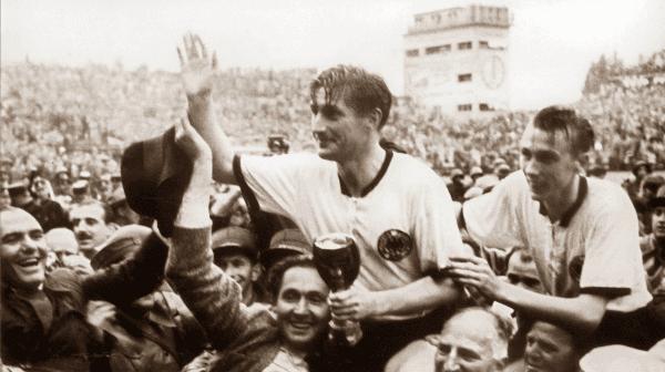Fritz Walter entre os melhores jogadores alemaes de todos os tempos