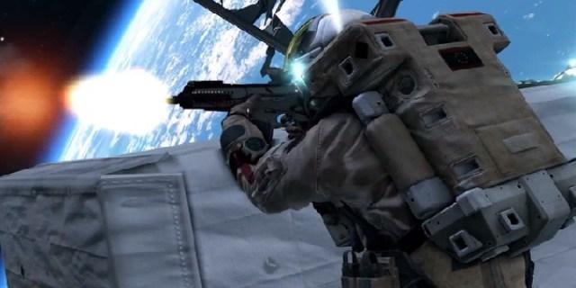 pistol di luar angkasa
