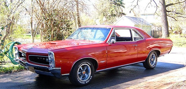 1966 Pontiac GTO - classic muscle car