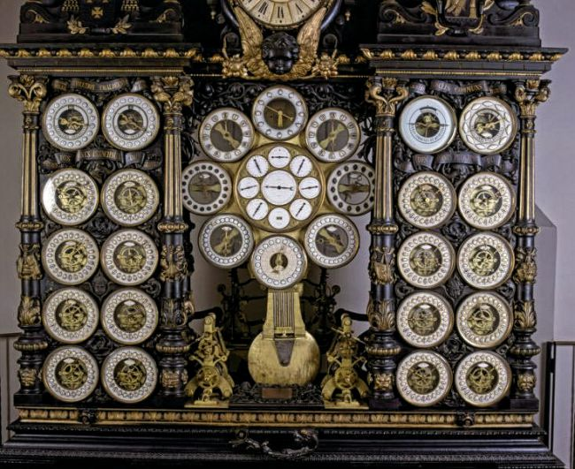 astronomical-clock-in-besanc%cc%a7on-cathedral