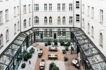 Berliini Kohtuuhintaisten Luksushotellien Kaupunki