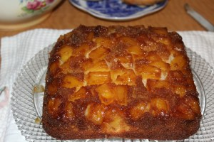 Pineapple Upside Down Cake with Chunk Pineapple