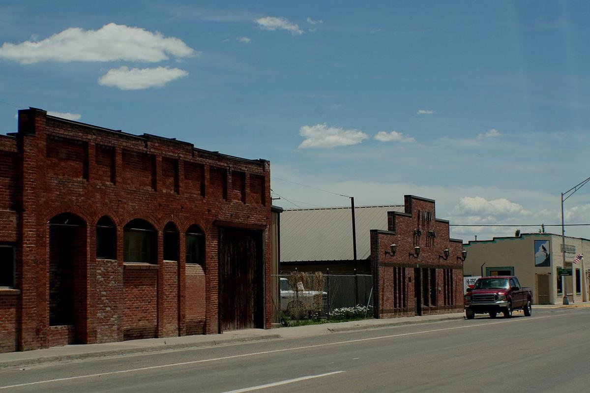Main Street, Estancia, New Mexico, Wikimedia Commons, <a href=