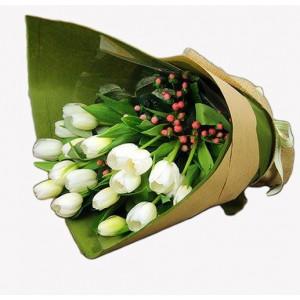 20 white tulips bouquet