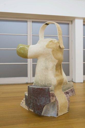 HERO 4/x, Keramik glasierte, 2016/17, Galerie Rüdiger Schöttle, München