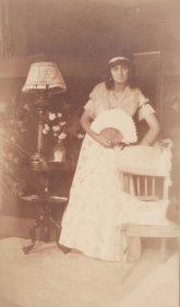Marcelle Abeille (Mme Henri Caire) - Bd de Strasbourg - 1916 - Pour le malade imaginaire Collection Mireille Caire