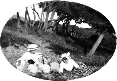 Sur la plage - Vacances à Léoube - 1917