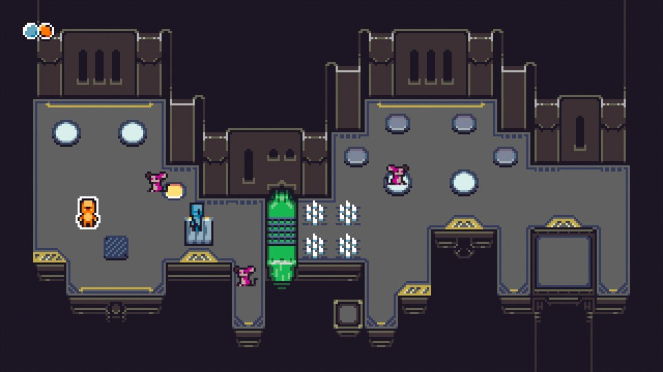 Game screenshot showing the protagonists using mice to put weight on pressure plates.