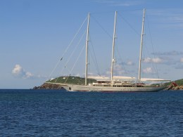 How awesome would it be to sail the island in this schooner?
