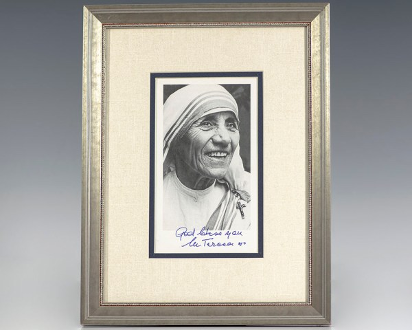 Mother Teresa Signed Photograph.