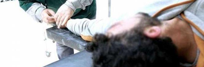 Isis, i jihadisti amputano la mano a un ladro