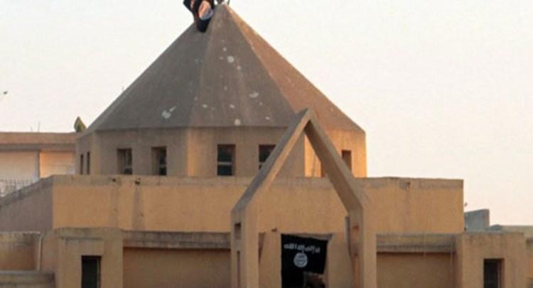 """مسيحيو الرقة في ظل """"خلافة داعش"""""""