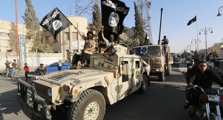 """داعش ينفذ حكم """"القصاص""""، بالبشر والممتلكات"""