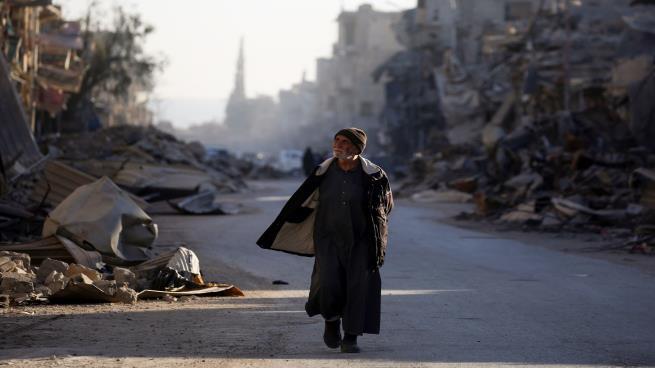الرقة السورية: ما يزال الفرات يجري