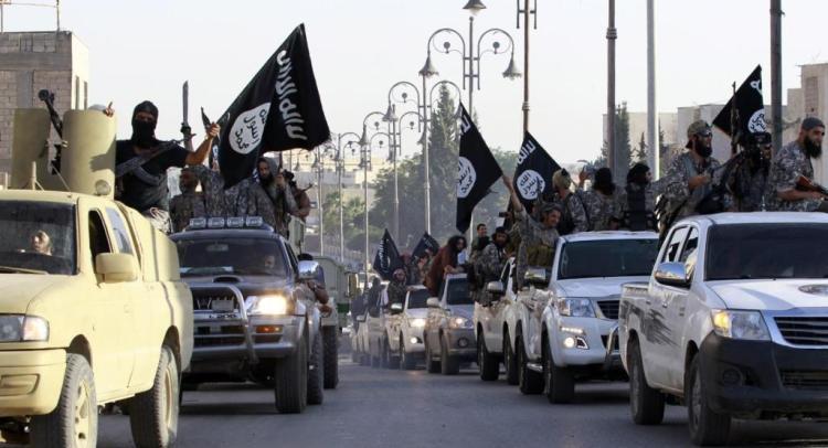 ناشونال إنترست: كيف تنعكس الانقسامات بين تنظيمي الدولة والقاعدة على مستقبلهما؟