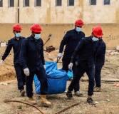 """""""مجلس الرقة المدني"""" يعثر على مقبرة جماعية في ملعب الرشيد وسط المدينة تحتوي على أكثر من 500 جثة"""