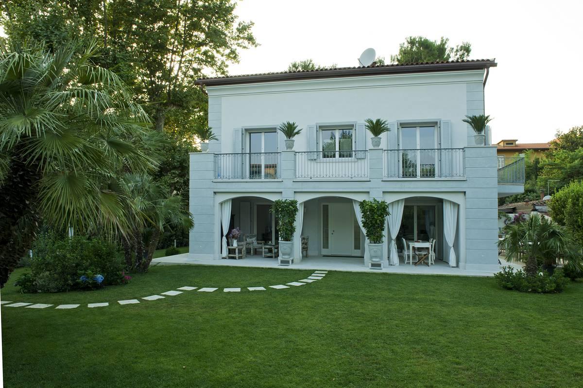 Villa a due piani  Rasom