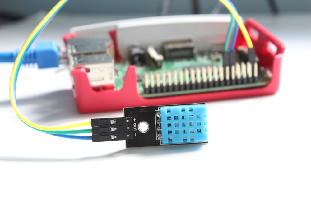 medium resolution of dht11 temperature and humidity sensor and the raspberry pi