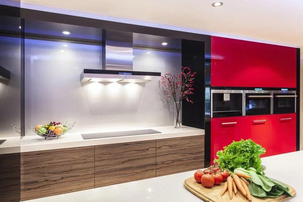 Rote Arbeitsplatte Küche