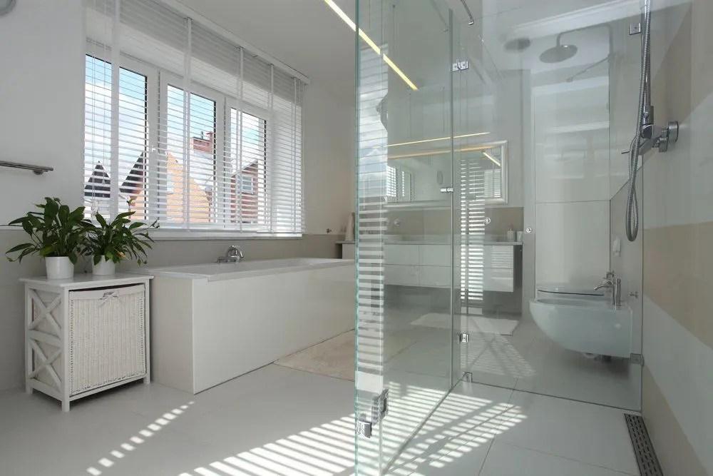 Glas im Badezimmer  Ratgeber Haus  Garten