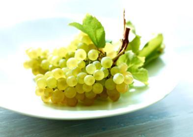 Ukuran janin minggu ke-9 sebesar buah anggur.