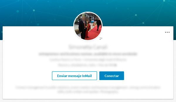 No cometas este error en tu foto de perfil para Linkedin: No recicles fotos de eventos