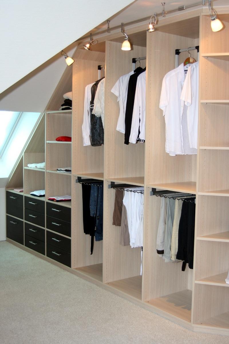 Wohnidee Ankleidezimmer aus einer Hand  RAUMAX