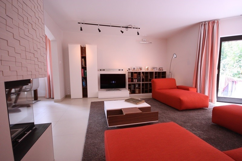 Wohnzimmergestaltung mit Kche und Flur  RAUMAX