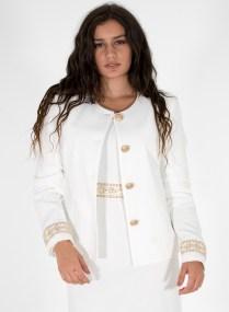 Λευκό σακάκι με χρυσές λεπτομέρειες