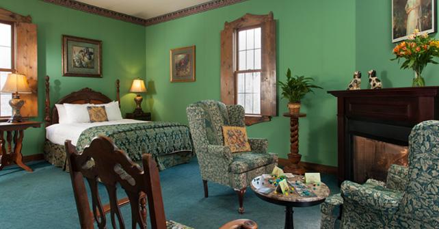 Queen Elizabeth Suite  Ravenwood Castle