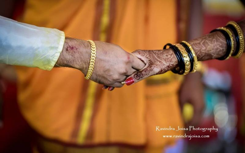 candid indian wedding photography