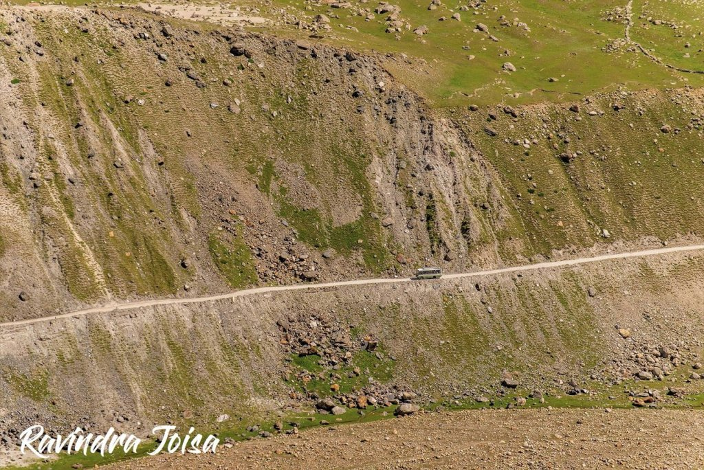 Himachal Public Bus from Kaza to Manali via Chhatru campsite and the Chenab river below