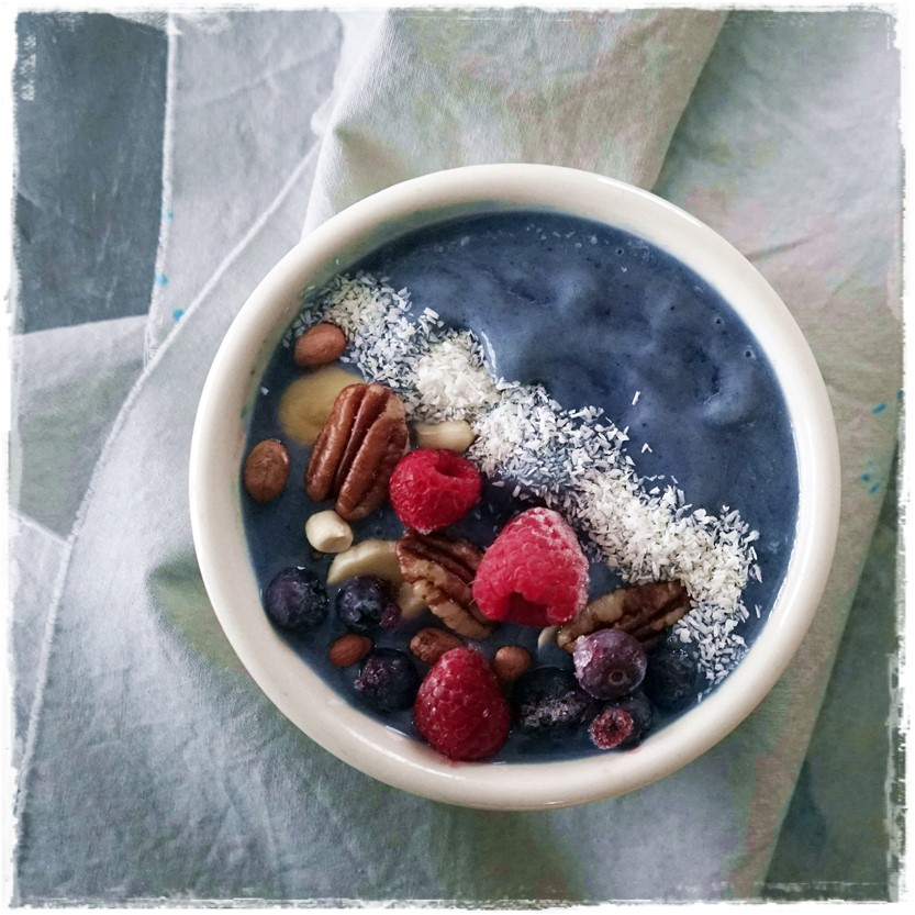 Raw Food Tropical Blue Smoothie Bowl