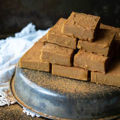 pumpkin-tahini-fudge