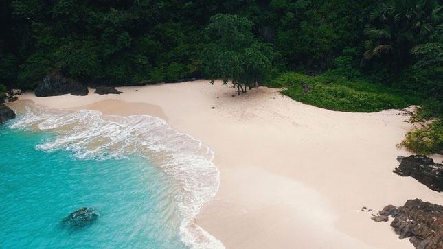 Pantai Teluk Hijau / Green Bay