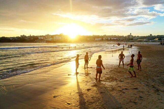 Tips melakukan aktivtas seru di pantai