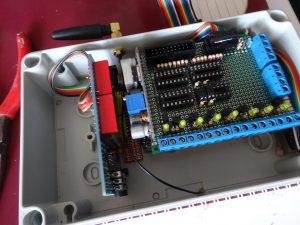 Inbouwkast met GSM module en Arduino Mega en printplaat