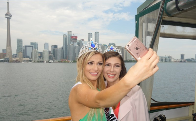 beauty pageant girls, ladies, female passengers looking great on Oriole - Mariposa Cruises Toronto