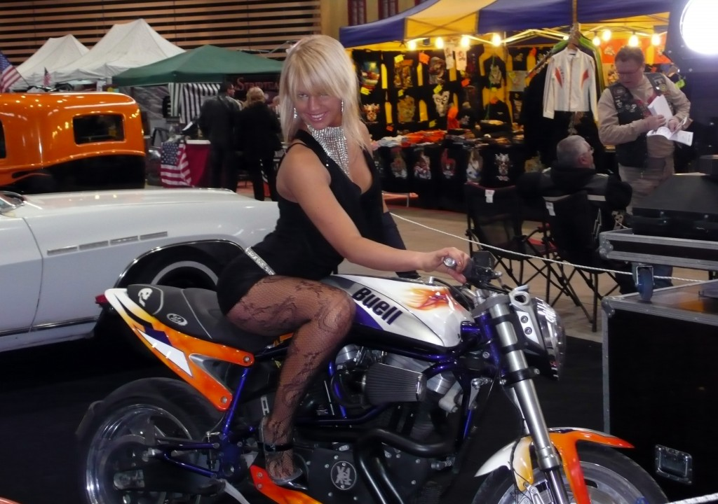 Pour Fabrice pas mal ta moto nonLa plus belle du salon  Raymond Planchat peintre arographe