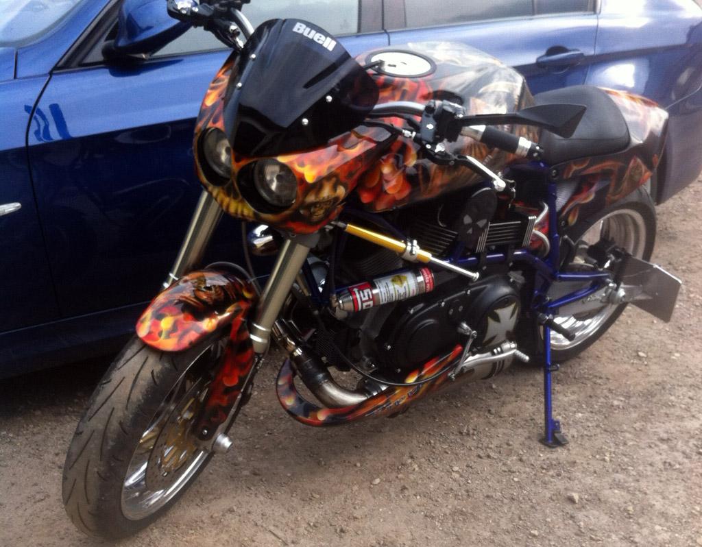 Moto Buell custom by Cow Boy and Raymond Planchat  Raymond Planchat peintre arographe cours de
