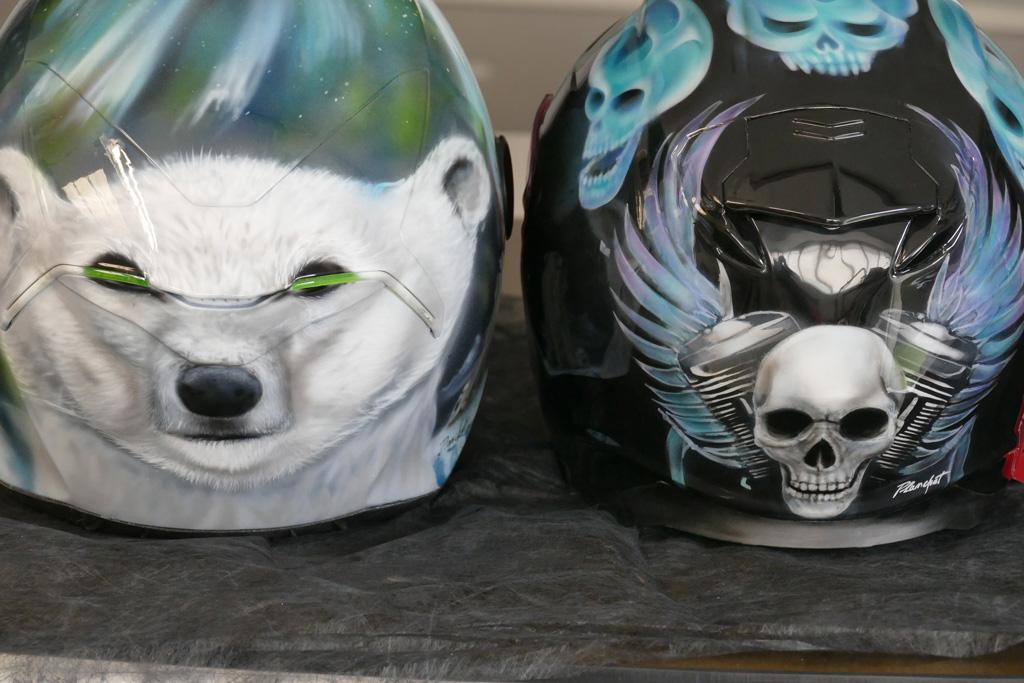 Casque Moto Airbrush Ours skull flaming  Raymond Planchat peintre arographe cours de peinture