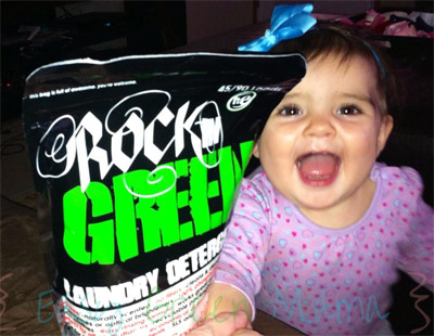 "Gets Rid of ""The Stinkies"" ~ Rockin' Green Laundry Detergent Review"