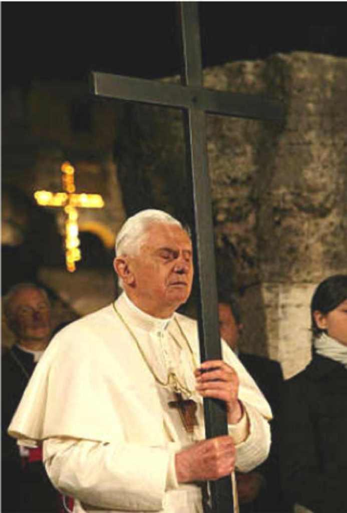 Benedicto XVI Viacrucis