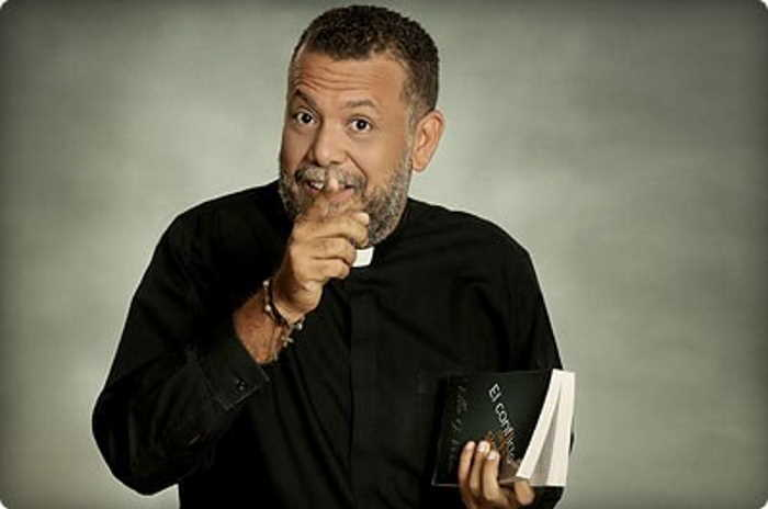Alberto Linero cuando oficiaba como Sacerdote
