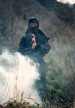 Ninja con bomba de humo