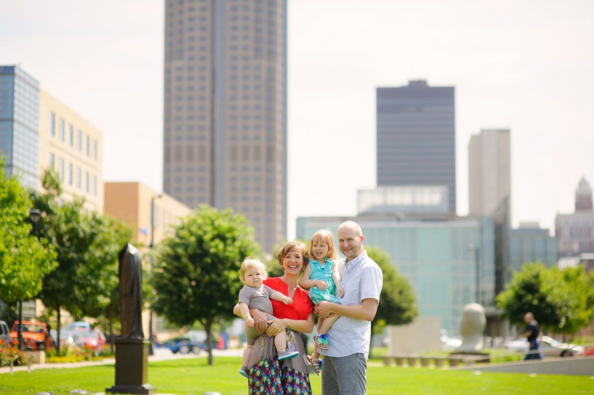 Des Moines Family Photographer - Sculpture Park family session