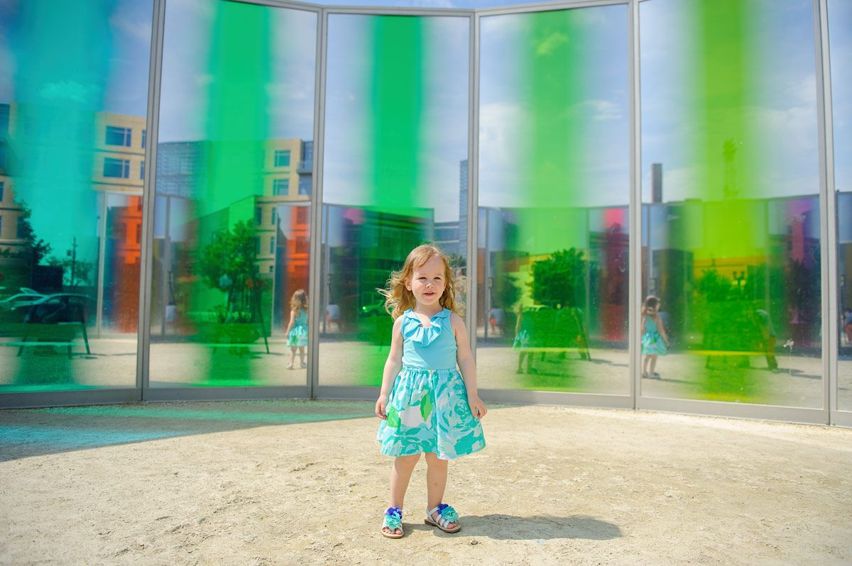Des Moines Family Photographer - Sculpture Park downtown Des Moines Iowa session