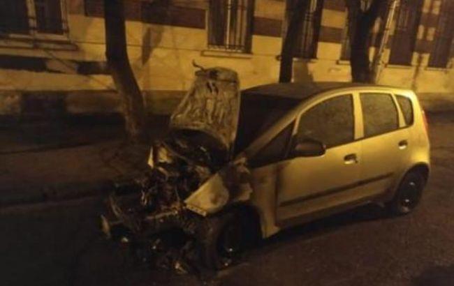 У підпалі авто журналістки підозрюються безробітний і поліцейський